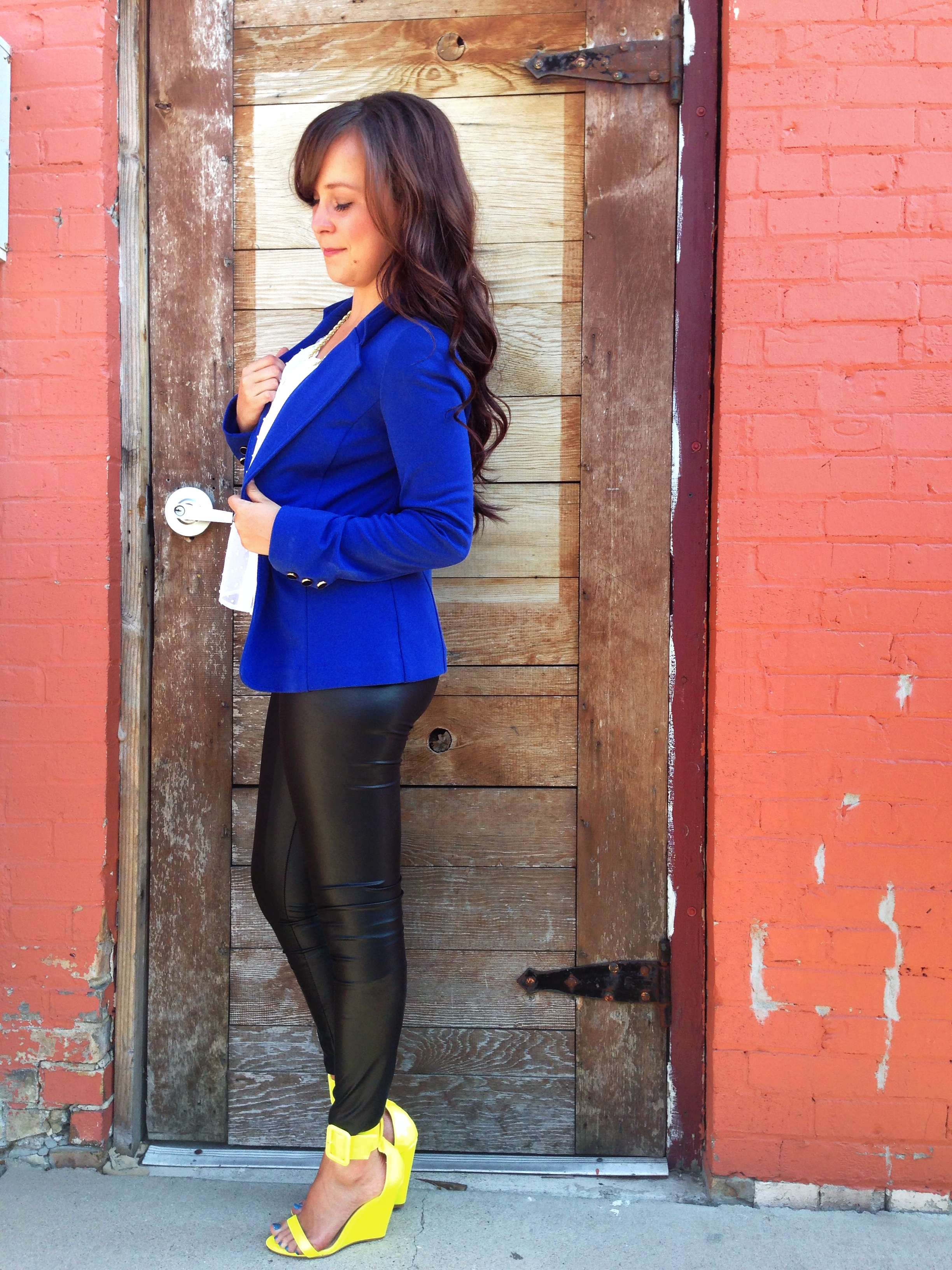 Outfits with blue heels