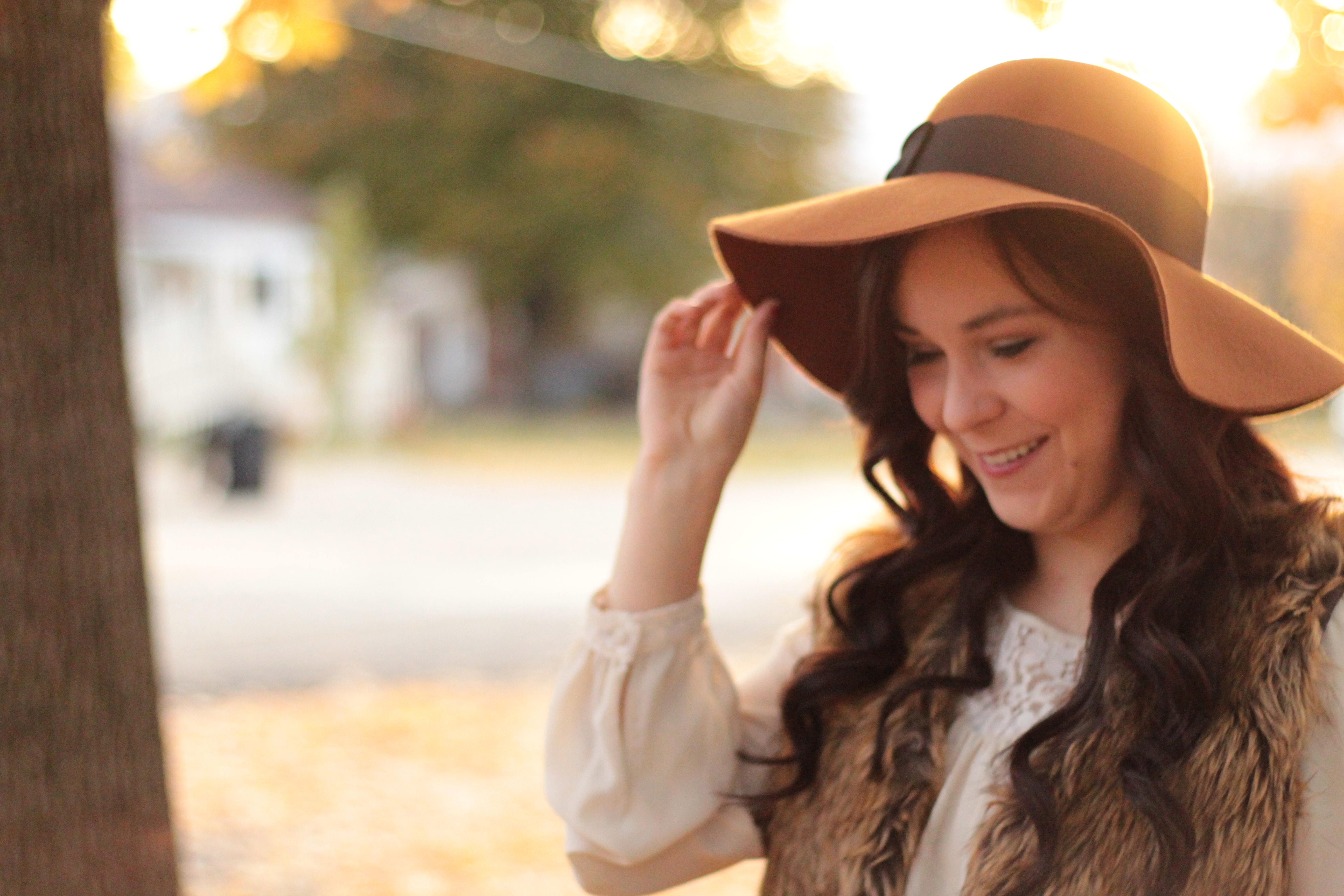 Floppy Hat and Fur  e45672922306